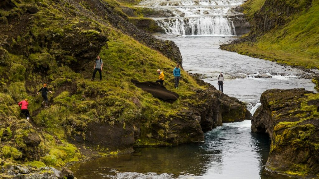 people on the Þrihyrningur hike in south Iceland