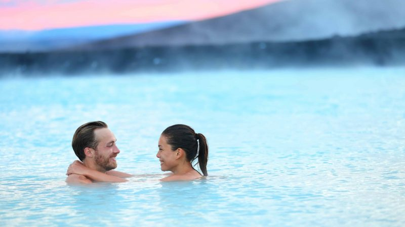 Honeymoon in Iceland, couple in the Blue Lagoon