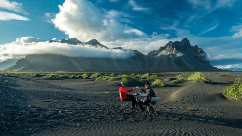 couple having dinner at Stokksnes beach