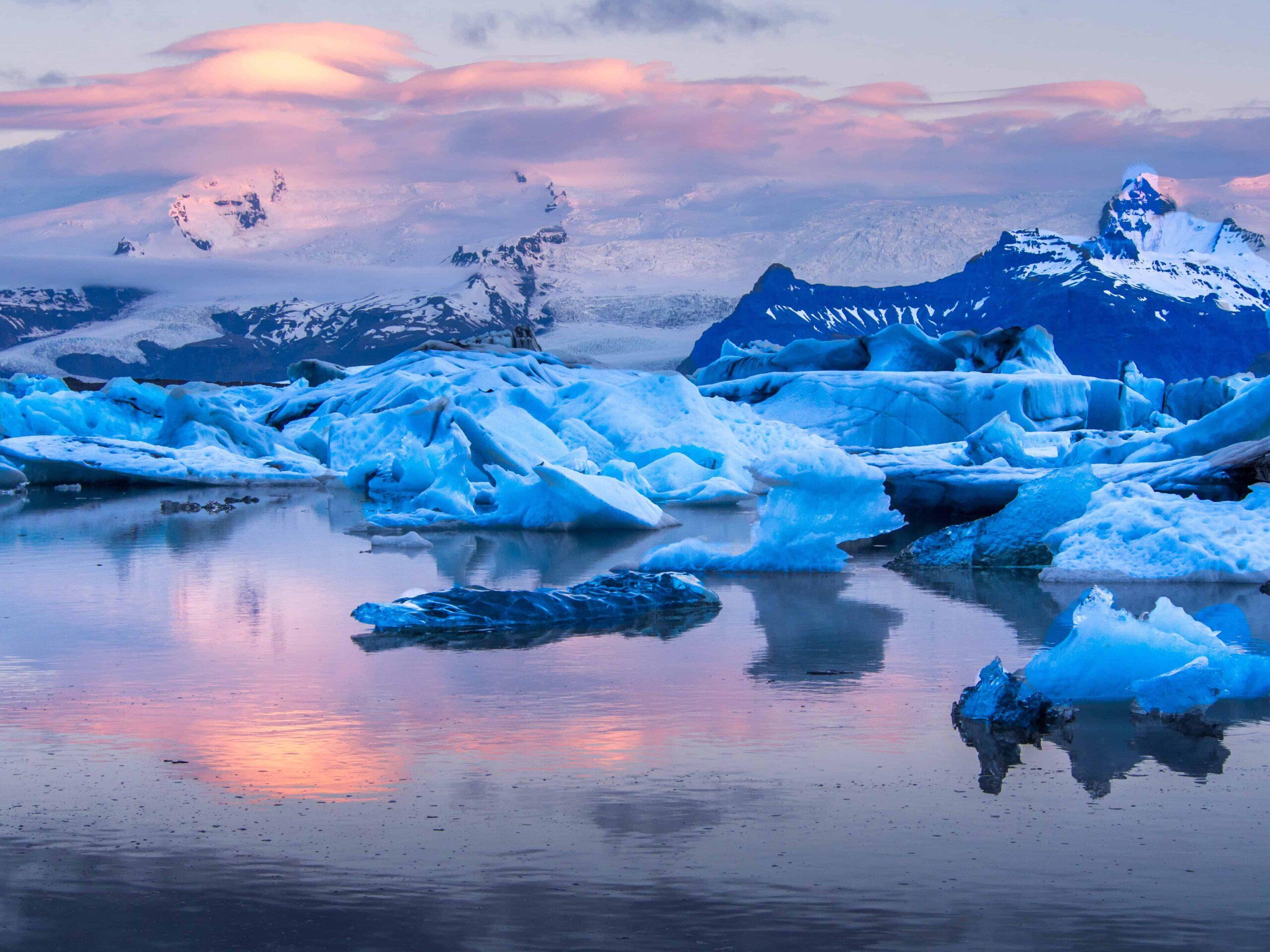 midnight sun glacier lagoon (2)