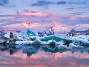 Midnight sun and sunset at Jokulsarlon glacier lagoon
