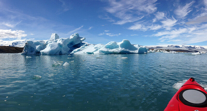Kayaking on Jokulsarlon glacier lagoon