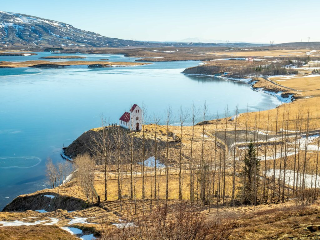 Úlfljótsvatn lake and church