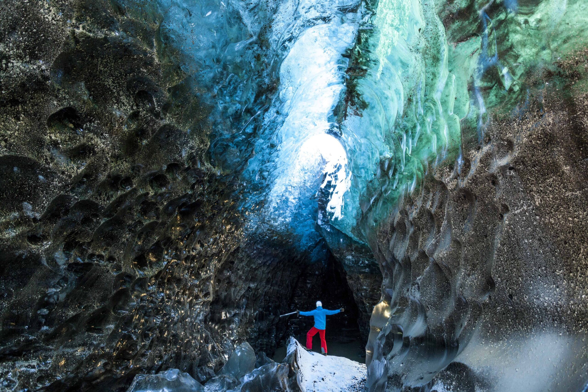 ice cave in Svínafellsjokull glacier tounge - Vatnajokull glacier - Skaftafell Nature Reserve