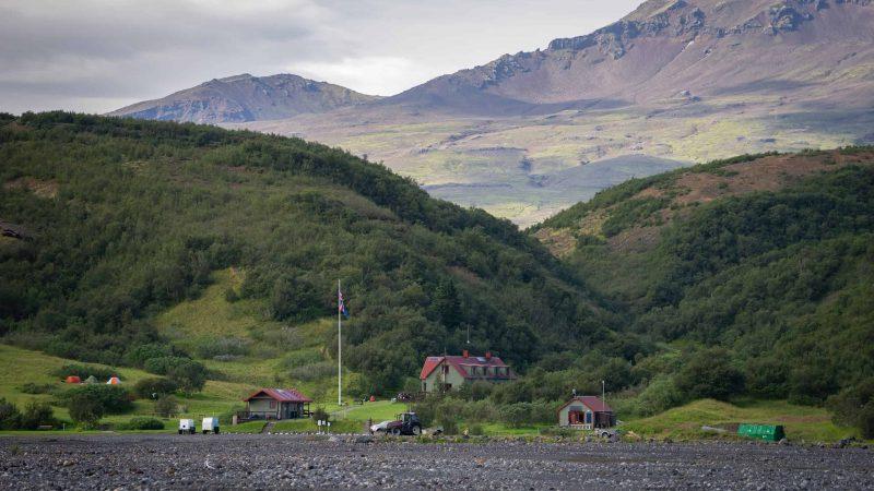 Hiking in Þórsmörk, camping in Þórsmörk, Þórsmörk huts