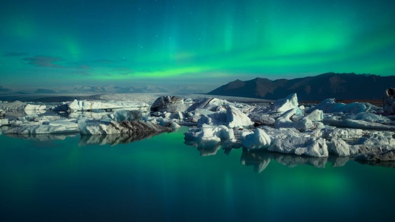 Jokulsarlon glacier lagoon northern lights