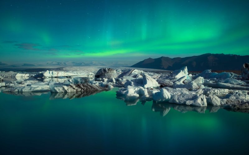 Jokulsarlon glacier lagoon northern lights