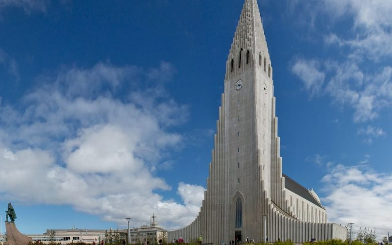 Hallgrímskirkja church on the Reykjavik Private Sightseeing tour
